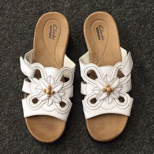 Shoes - Clark white Heel Sandals